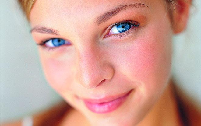 Красивый нос у девушки