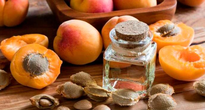 Стоит ли закапывать абрикосовое масло в нос